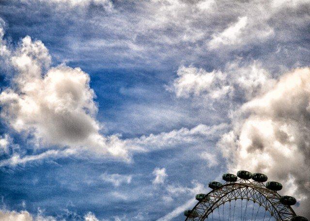 Sky over London on GlobalGrasshopper.com