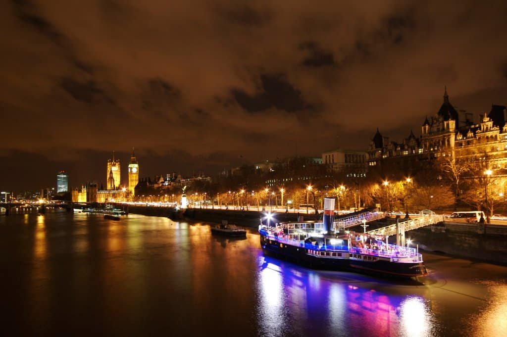 Thames at Night on GlobalGrasshopper.com