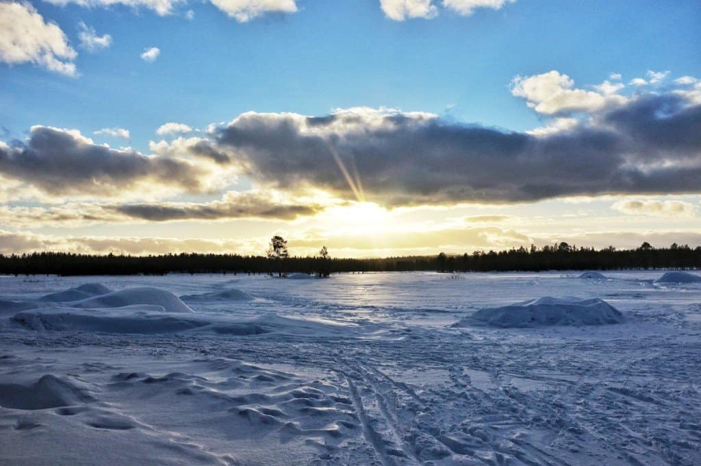 New day at the frozen lake