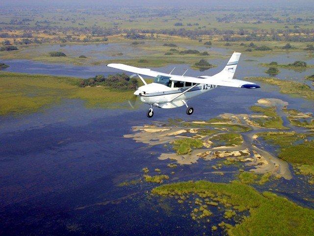 FLY IN SAFARI flying over the okavango delta