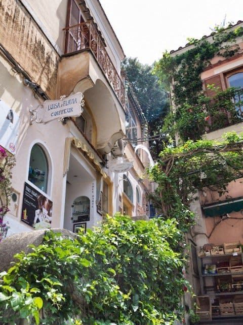 What's it all about: the Amalfi Coast Global Grasshopper