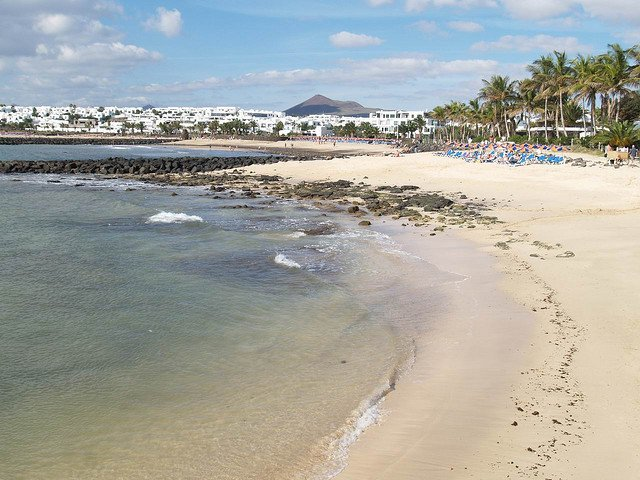 Beaches and volcanos: visiting Lanzarote Global Grasshopper