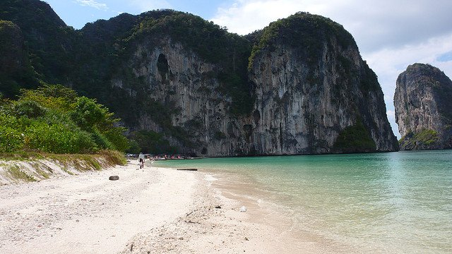 Koh Lao Liang - undeveloped islands in Thailand