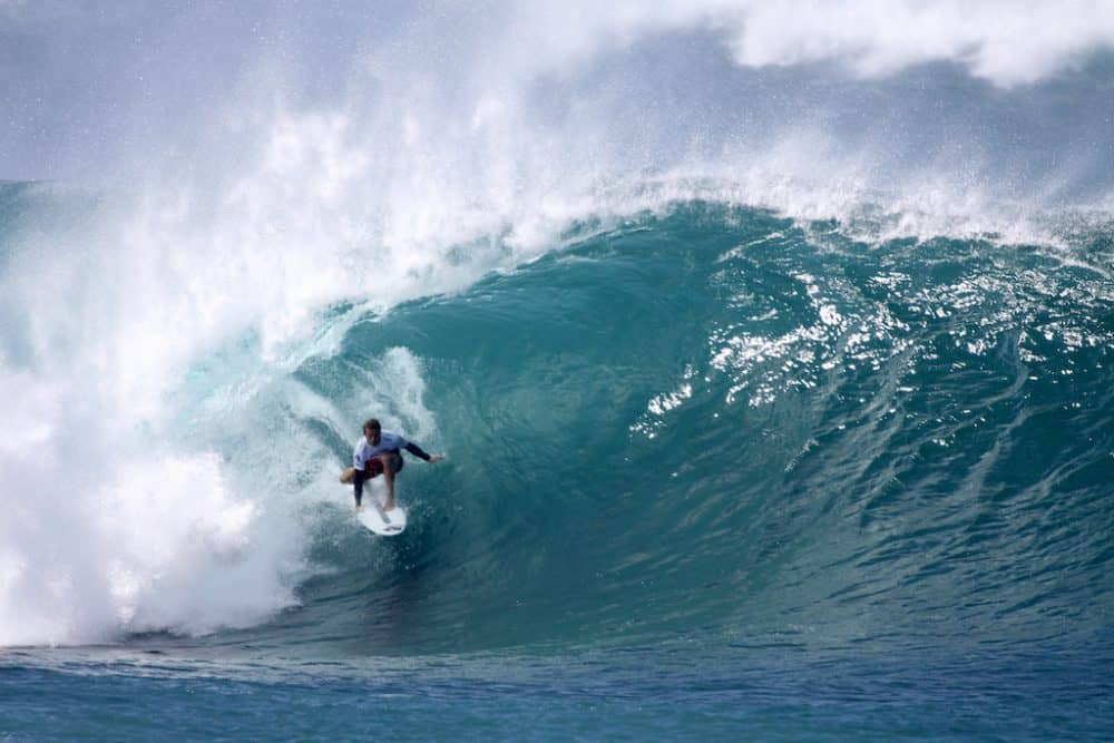 Surf at Pipeline Hawaii