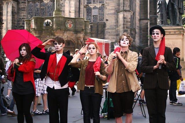 Edinbugh Fringe festival mime artist