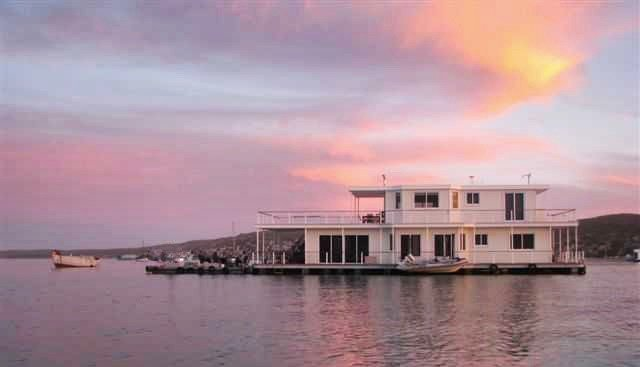 Langebaan-Houseboats Cape Town