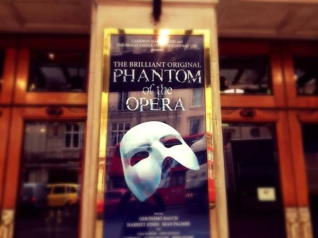 Phantom of the Opera - VIP backstage tour, dinner and show Global Grasshopper