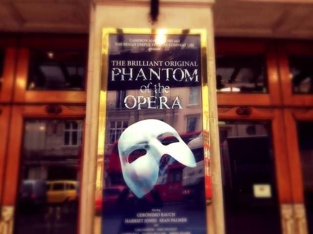 Phantom of the Opera - VIP backstage tour, dinner and show Global Grasshopper