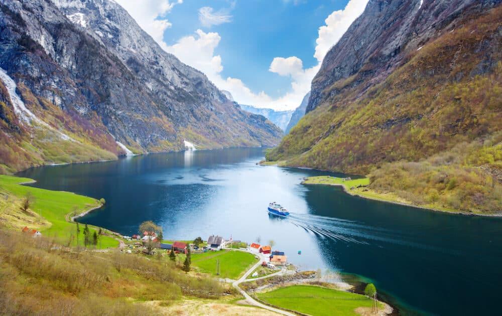 Sogn og Fjordane - stunning scenery in Norway