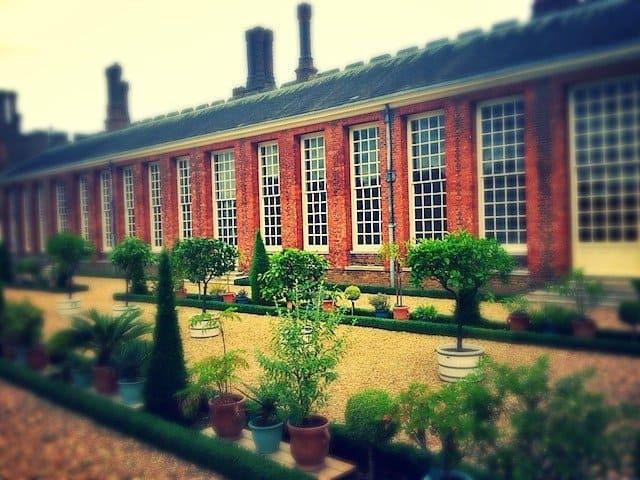 Hampton Court summer house