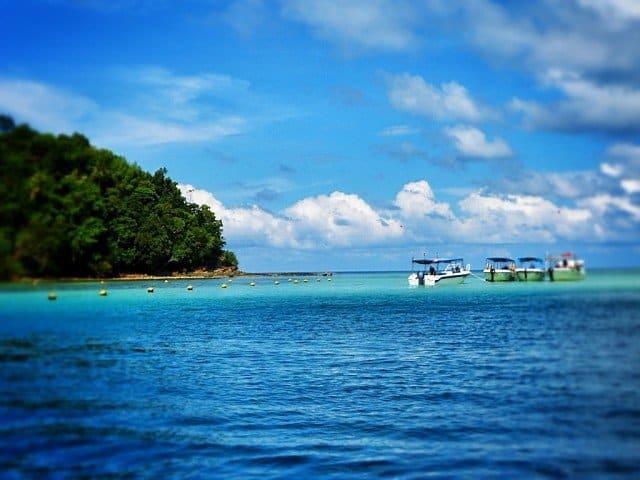 Boats on Gaya Island_Snapseed