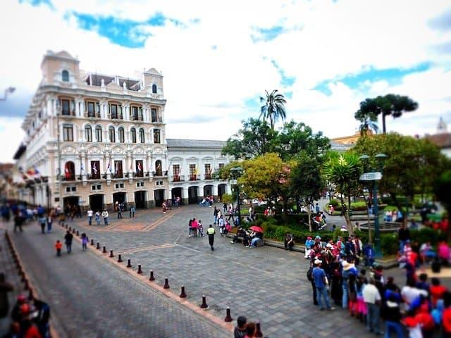 Qutio plaza
