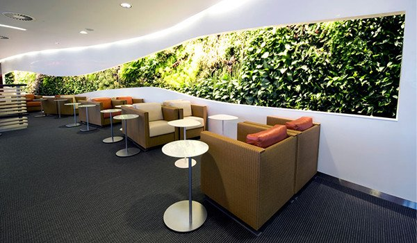 Airport-lounge-business-travel