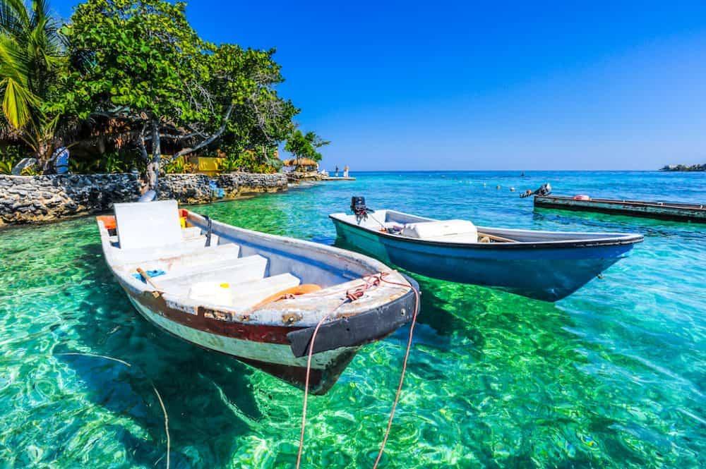 Boats in Islas del Rosario