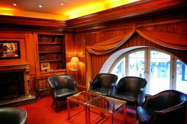 Steigenberger Frankfurter Hof Hotel cigar room