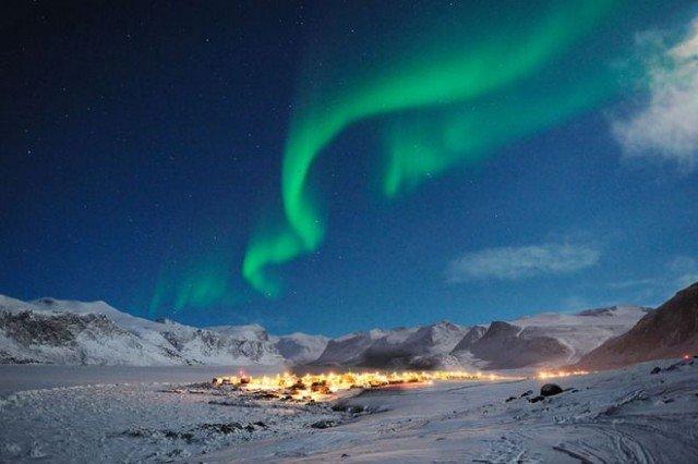 Pangnirtung Canada northern lights