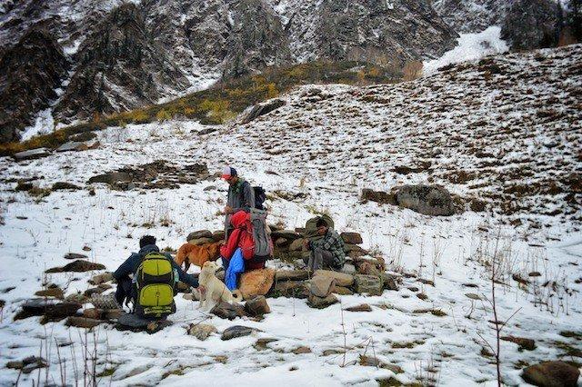 Trekking beautiful Beas Kund in The Himalayas Global Grasshopper