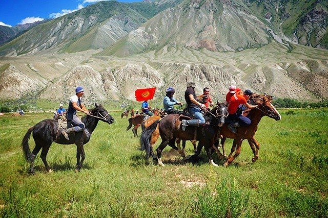 7. Ulak Tarish horse game Kyrgyzstan