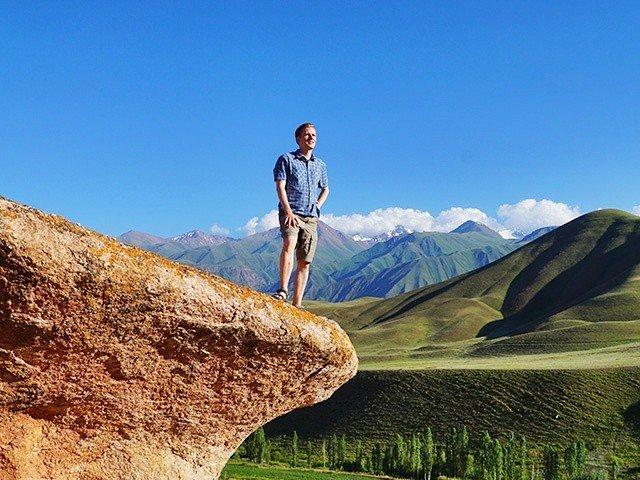 8. hiking kyrgyzstan