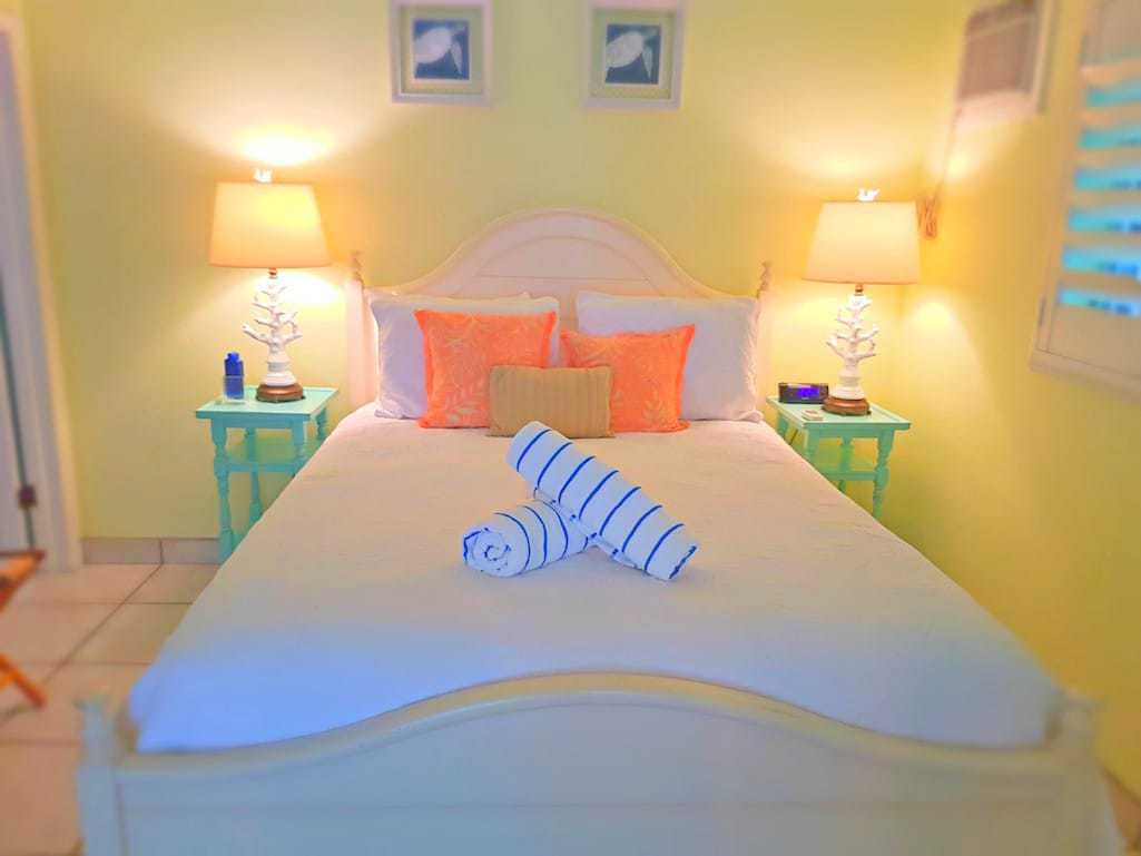 Guest bedroom in Florida Keys