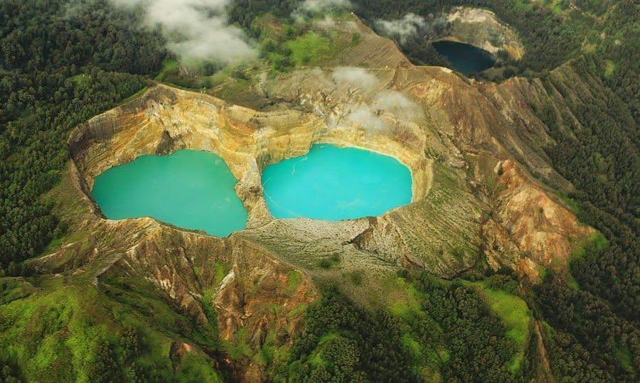 Lake Tiga Warna