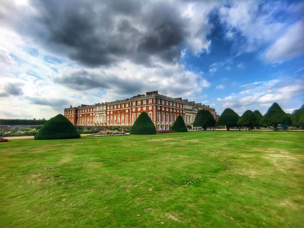 Pixter review: testing the funky new smartphone lens at Hampton Court gardens Global Grasshopper
