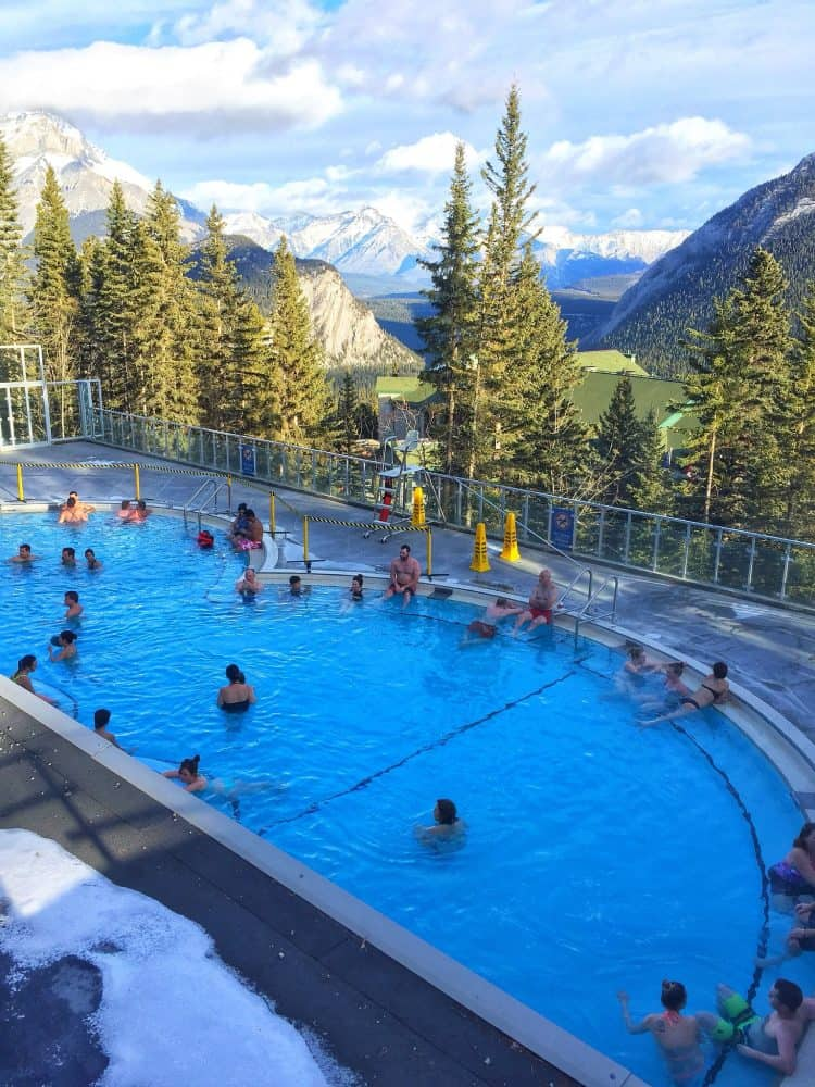 9 fabulous winter adventures to indulge in Alberta, Canada (even if you don't ski)! Global Grasshopper