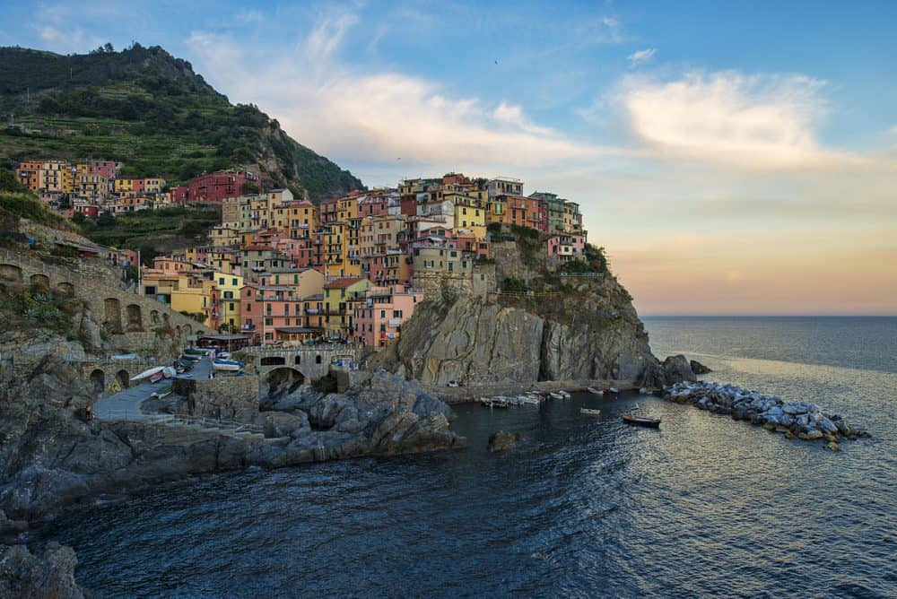 Beautiful places of Italy - discovering Cinque Terre Global Grasshopper