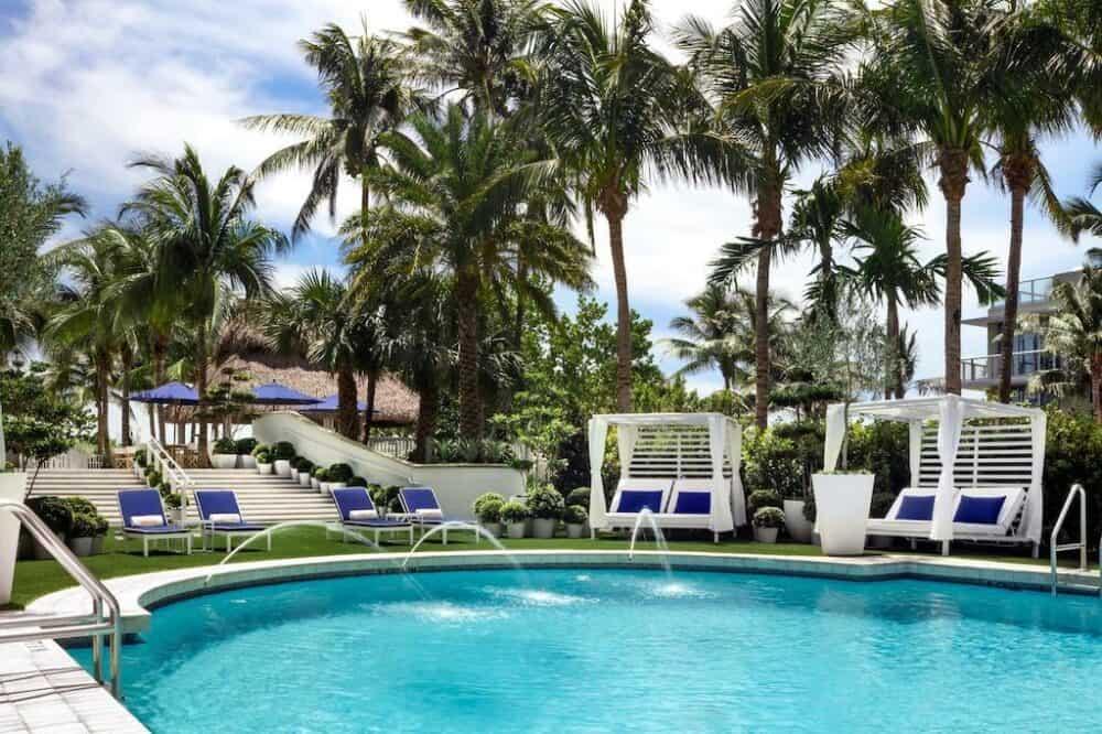 Cadillac Hotel and Beach Club