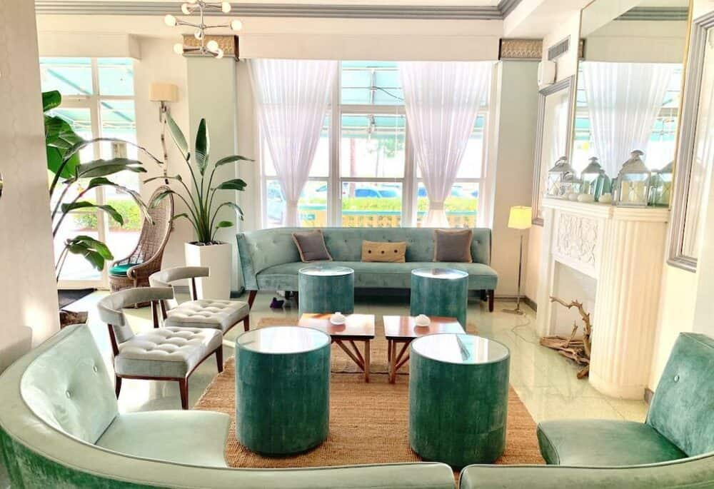 Cool budget hotel Miami