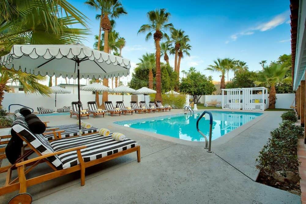 Small boutique hotel in Palm Springs