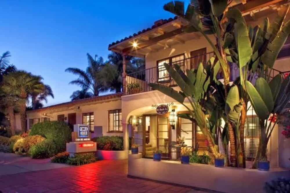 Casa Del Mar Inn - a Spanish-style hotel