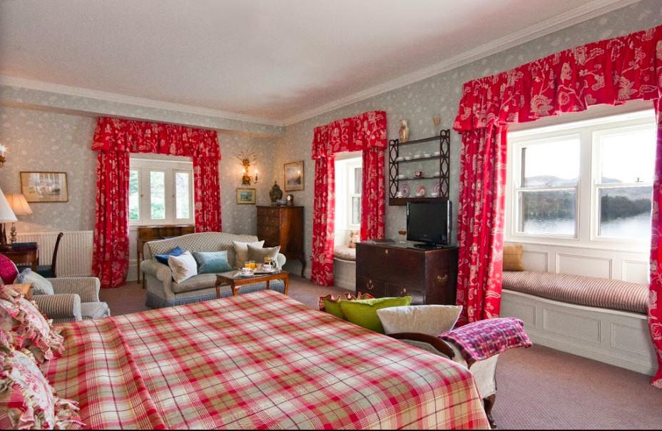 An upscale pet-friendly hotel set in a grand estate