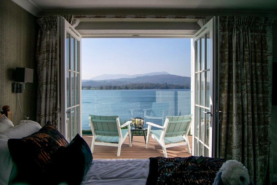 A stunning lakefront pet friendly hotel resort and marina in Lake Windermere