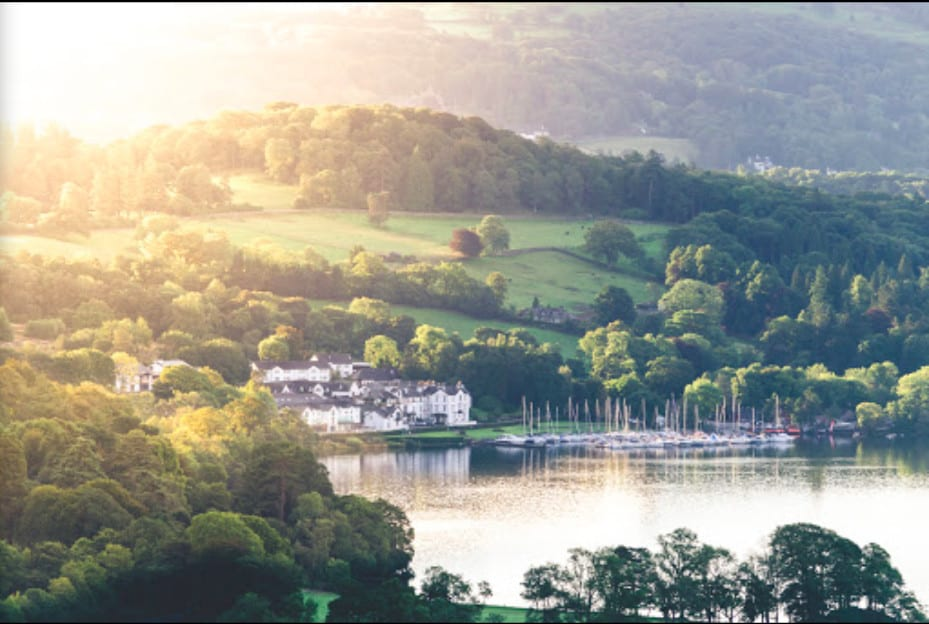 A stunning lakefront dog friendly hotel resort and marina in Lake Windermere