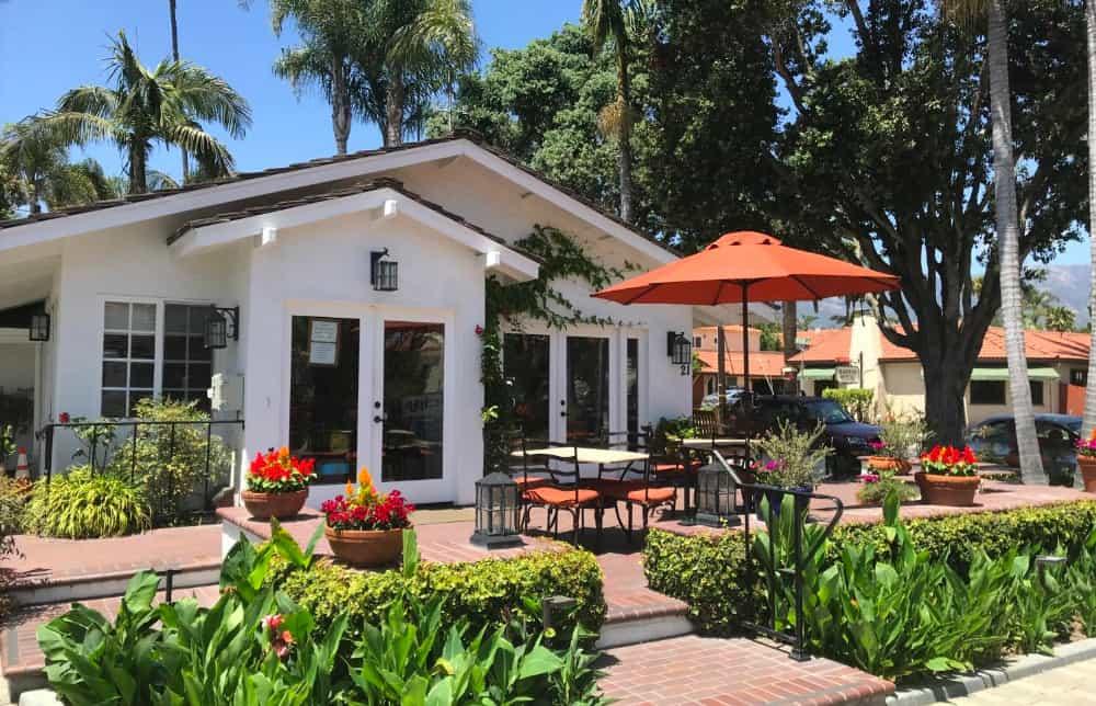 A relaxed pet-friendly hotel in Santa Barbara