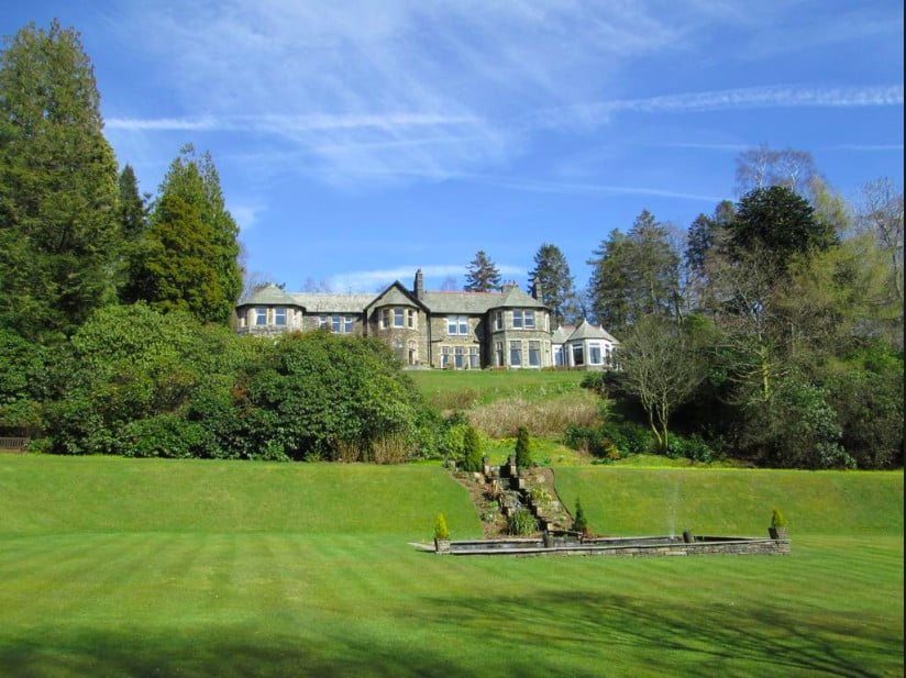 A finecountry house pet-friendly hoteloverlooking Lake Windermere