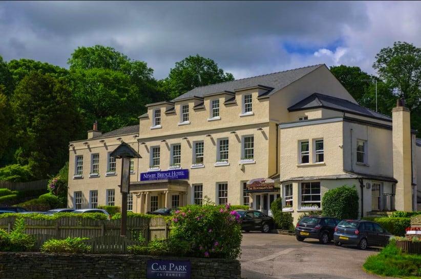 modern pet-friendly Lake District accommodation very near Lake Windermere