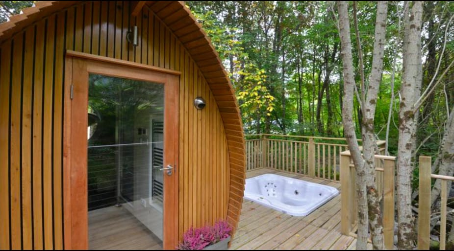 A super cute resort in Ballachulish set in a forested area
