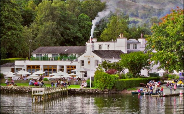 Dog friendly hotel on the banks of Lake Windermere
