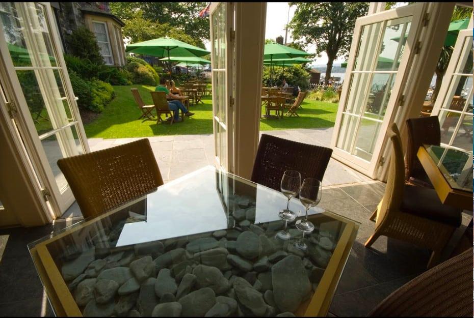 a stylish townhouse dog-friendly hotel on the lakeshore near Ambleside