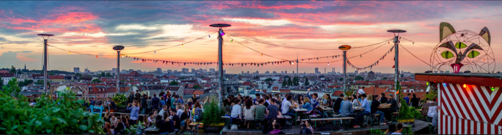 Watching the sunset at klunkerkranich, Berlin