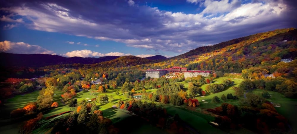 Pet-friendly golf resort in the Blue Ridge Mountains