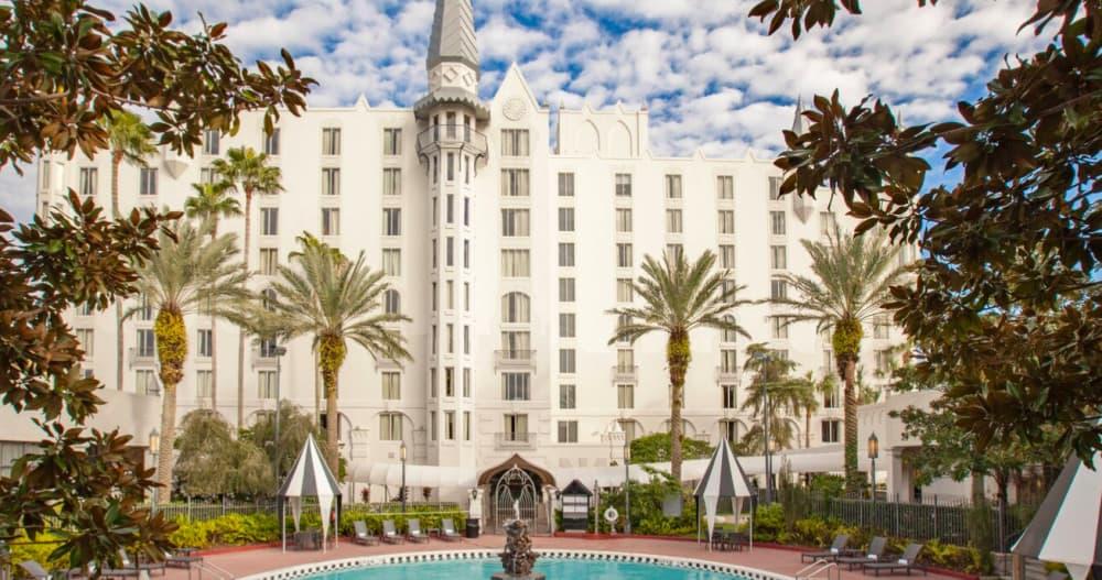 Upscale dog friendly hotel Orlando