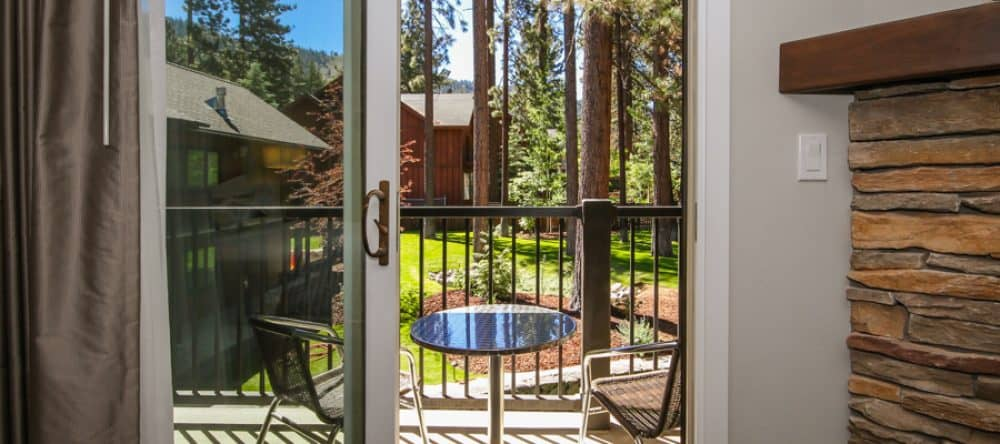 Top 15 dog-friendly hotels Lake Tahoe Global Grasshopper