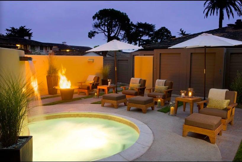 Charming pet friendly hotel in Monterey