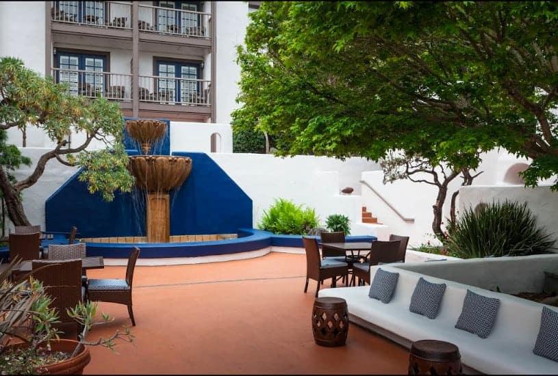 Stylish dog friendly hotel in Monterey