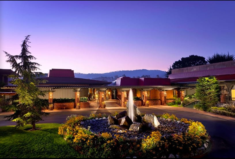 Dog friendly golf hotel in Monterey