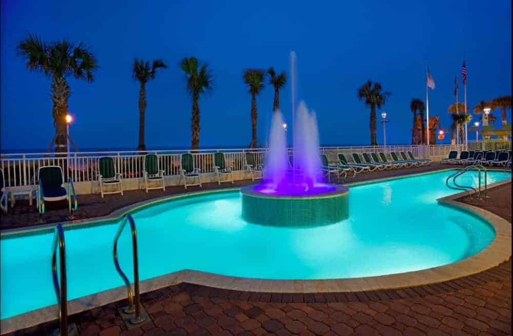 A beachfront pet friendly hotel in Virginia Beach