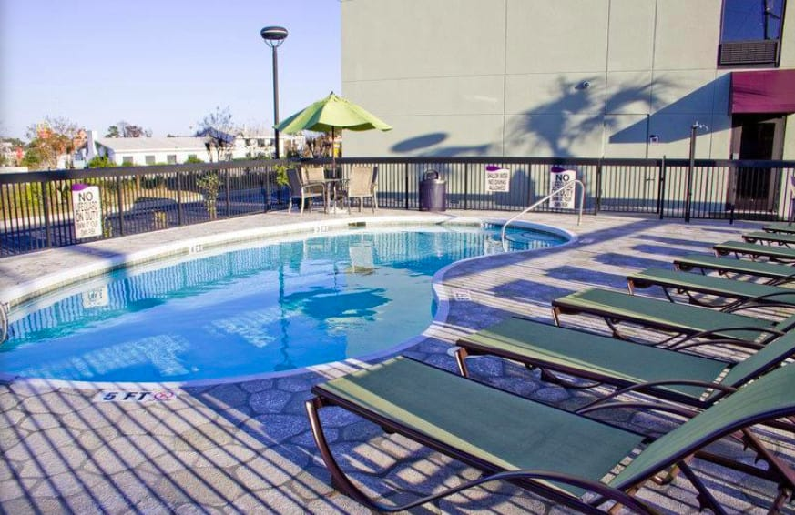 Mid-range pet friendly hotel Myrtle Beach
